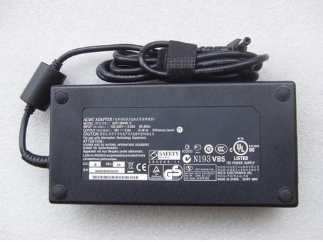 FA180PM111 19.5V--9.23A, 180W FA180PM111 Netzteil