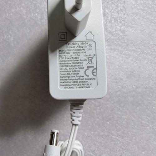 SLA030-D12-D04laptop Ladegerät